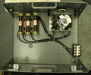 Cutler Hammer Unitrol Motor Control Center 9804 W door 30 Amp Fusible Mcc