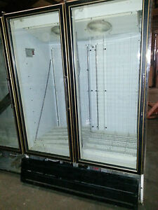 Master bilt 2 Glass Door Cooler Blg 52 v