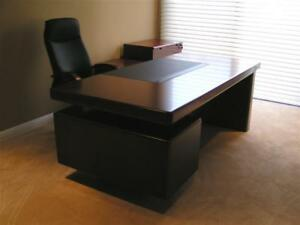 Aaron Contemporary Executive Desk In Light Cherry Qms 86