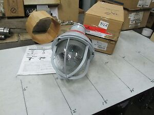 Cooper crouse hinds Explosion Proof Light Fixture Cat eva220 300w 120v nib