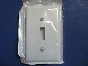 Leviton 88001 White Toggle Light Switch Cover Wall Plates lot Of 40