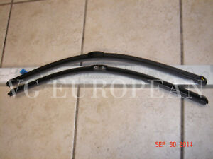 Mercedes Benz W204 C Class Genuine Front Window Windshield Wiper Blade Set New