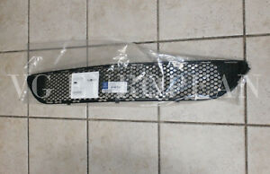 Mercedes Benz W204 Genuine Amg Front Bumper Center Mesh Grille C300 C350 New