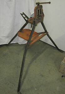 Reed Tripod And Yoke W 3 Vise S1 Used