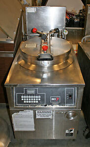 Bki Fkm fc Xl Capacity Electric Pressure Fryer Automatic Filter Computer