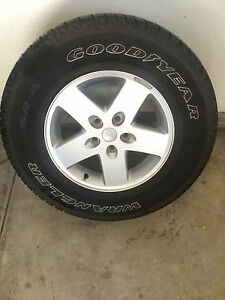 Factory 17 Jeep Aluminum Wheels 5x5 And Goodyear Wrangler Tires 255 75r17 Oem