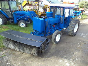 Ford 420 Tractor With Broom Cab Diesel Pto heater New Motor