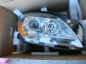 Mercedes benz Ml class Genuine Halogen Right Headlight Headlamp New 2012 2014