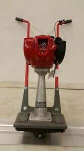 New Bulldog Concrete Power Screed Honda 4 Stroke Gas Cement W 12 Blade