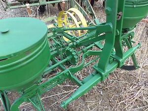 John Deere 247 2 Row Corn Planter Is A Three Point Hitch Great For Food Plat