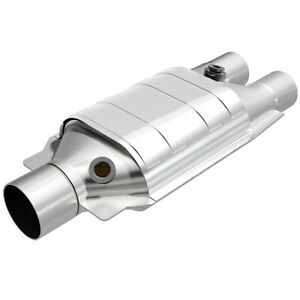 Magnaflow 99067hm Universal Catalytic Converter 2 5 Inch In Dual 2 5 Out