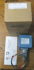 New Nos United Electric E105 2bsb 9020 Temperature Switch 30 250f 0 120c