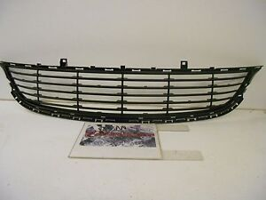 Factory Oem Genuine Mopar Front Lower Bumper Grille Assembly New