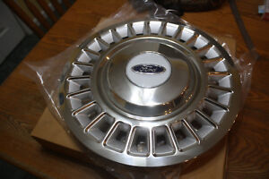 Hubcaps 15 Hubcap Wheel Cover 1998 2002 Ford Crown Victoria Brand New