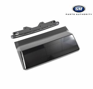 15 18 Chevrolet Tahoe Suburban Trailer Hitch Cover 23139222 Black Oem Gm