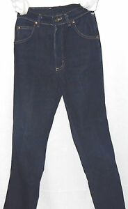 LEE  Women's Classic Jeans Size 6 Petite Inseam 28