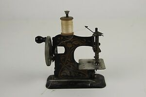 Sewing Machine Travel Or Toy German Works Circa 1920