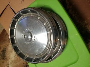 Ford Mustang Hubcaps