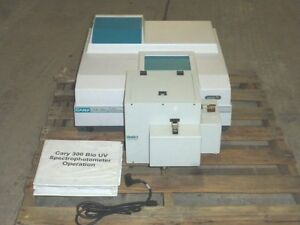 Varian Cary 300 Bio Uv visible Spectrophotometer W Manual