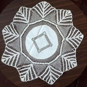 Antique Lace Handmade 9 Pointed Star Open Work Tatting Crocheting Round 30