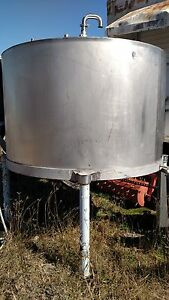 950 Gal Stainless Steel Tank Food Grade Cone Shaped Bottom