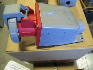 Hubbell 360r7w 60 Amp 480vac Pin And Sleeve Receptacle W Back Box Ps112