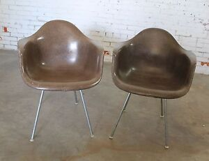 Herman Miller Eames Molded Fiberglass Dax Arm Shell Chairs H Base Seal Brown
