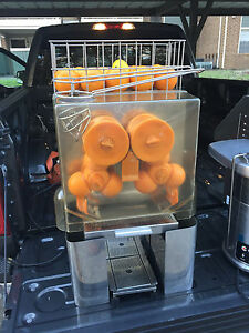 Fresh And Squeeze Commercial Citrus Juicer Will Consider Any Reasonable Offer