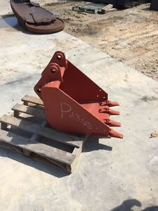 Ditch Witch Bucket 18 _ Backhoe _ Excavator _ 18 Vrts Series Hd