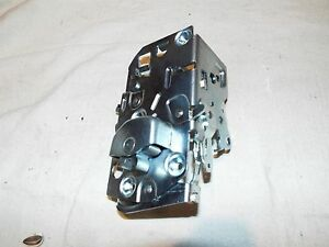 56 1956 57 1957 Chevy Chevrolet Bel Air 210 Nomad New Right Door Latch Assembly