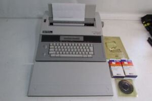 Working Smith Corona Spell Right Dictionary Memory Portable Typewriter Xd 5600
