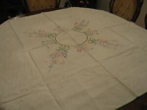 Beautiful Vintage White Embroidered Floral Linen Tablecloth Cover