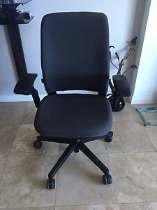 Office Chairs Steellcase Slightly Used fully Adjustable