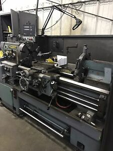 Hwacheon 17g X40 Engine Lathe