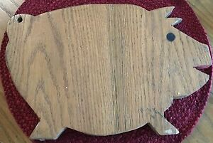 Vintage Farm House Country Primitive Wood Pig Shaped Cutting Board 10 X 14