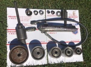 Greenlee 767 Hydraulic Knockout Hand Pump And 746 Ram W extra Knockouts Reduced
