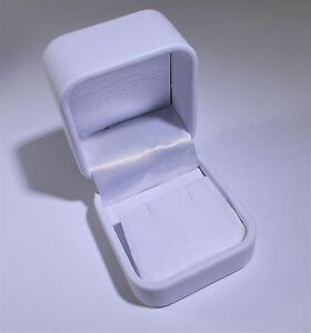 White Leatherette Earring Box 2 1 8 X 2 X 1 1 2 Full Case 144