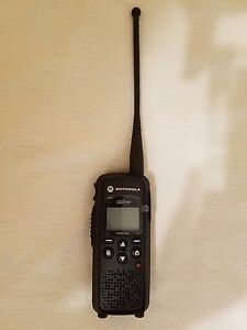 Mint Motorola Dtr550 Digital On Site Portable 2 Way Radio 900mhz Walkie Talkie
