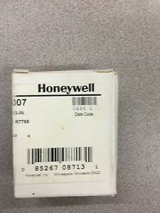 New In Box Honeywell Plug in Purge Timer 1 5 Seconds St795a1007