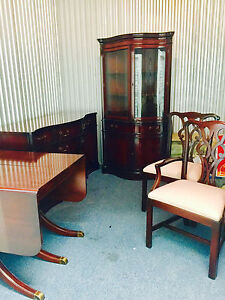 Mahogany White Co Dining Room Set Table 6 Chairs 2 Leaves And Side Board