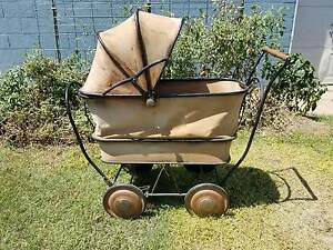 Vintage Traveleez Baby Buggy Carriage Stroller Good Condition