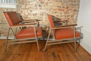 Great Pair Of Steelcase Mid Century Modern Eames Era Industrial Arm Chairs