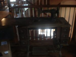 Antique Sewing Machine White Rotary Ser Fr7157986 Old Unrestored But Intact