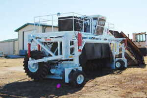Scarab Model 20 Self Propelled Compost Turner