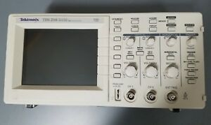 Tektronix Tds210 Oscilloscope With Tds2cm Communication Module In Good Condition