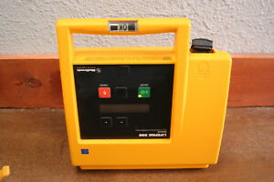 Physio Control Medtronic Lifepak 500 Tested And Working With Pads No Battery