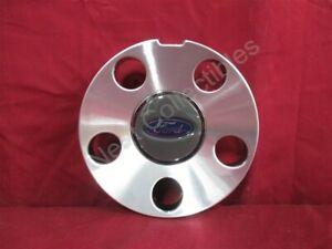 Nos Oem Ford Mustang Center Cap For 17 X 8 Alloy Wheel 2005 09