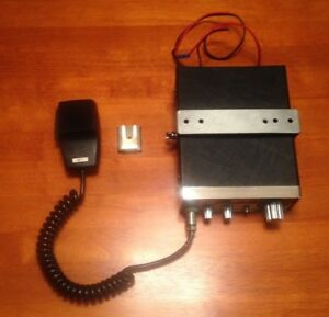 Vintage Gm 23m Cb Radio With Handset And Mount Rare