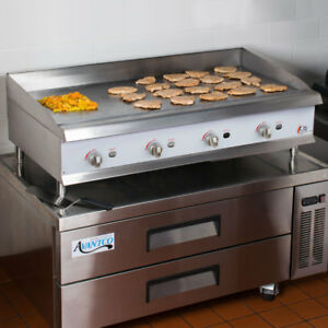 48 Gas Commercial Restaurant Kitchen Countertop Griddle With Man