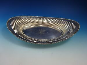 Oval Sterling Silver Bowl W Open Sides Design By Meriden Brittania